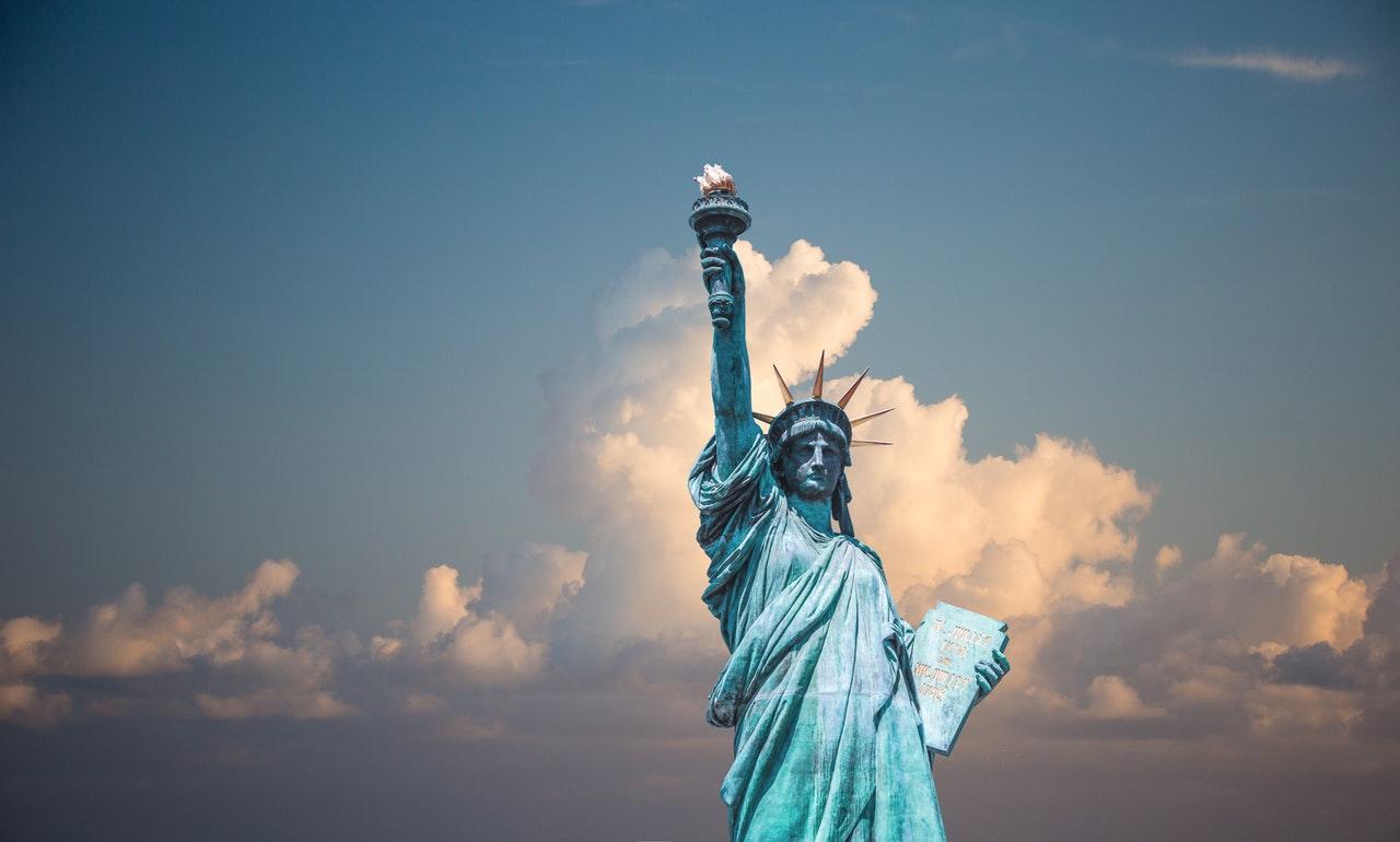 """Make Amerika great again."""